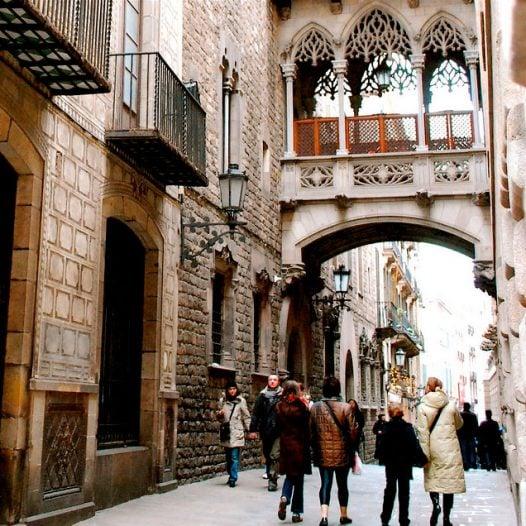 Club de l'Experiència · Edificis desplaçats a Barcelona · La història del Barri Gòtic i la deconstrucció d'edificis