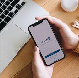 Aprèn a utilitzar LinkedIn per generar oportunitats professionals